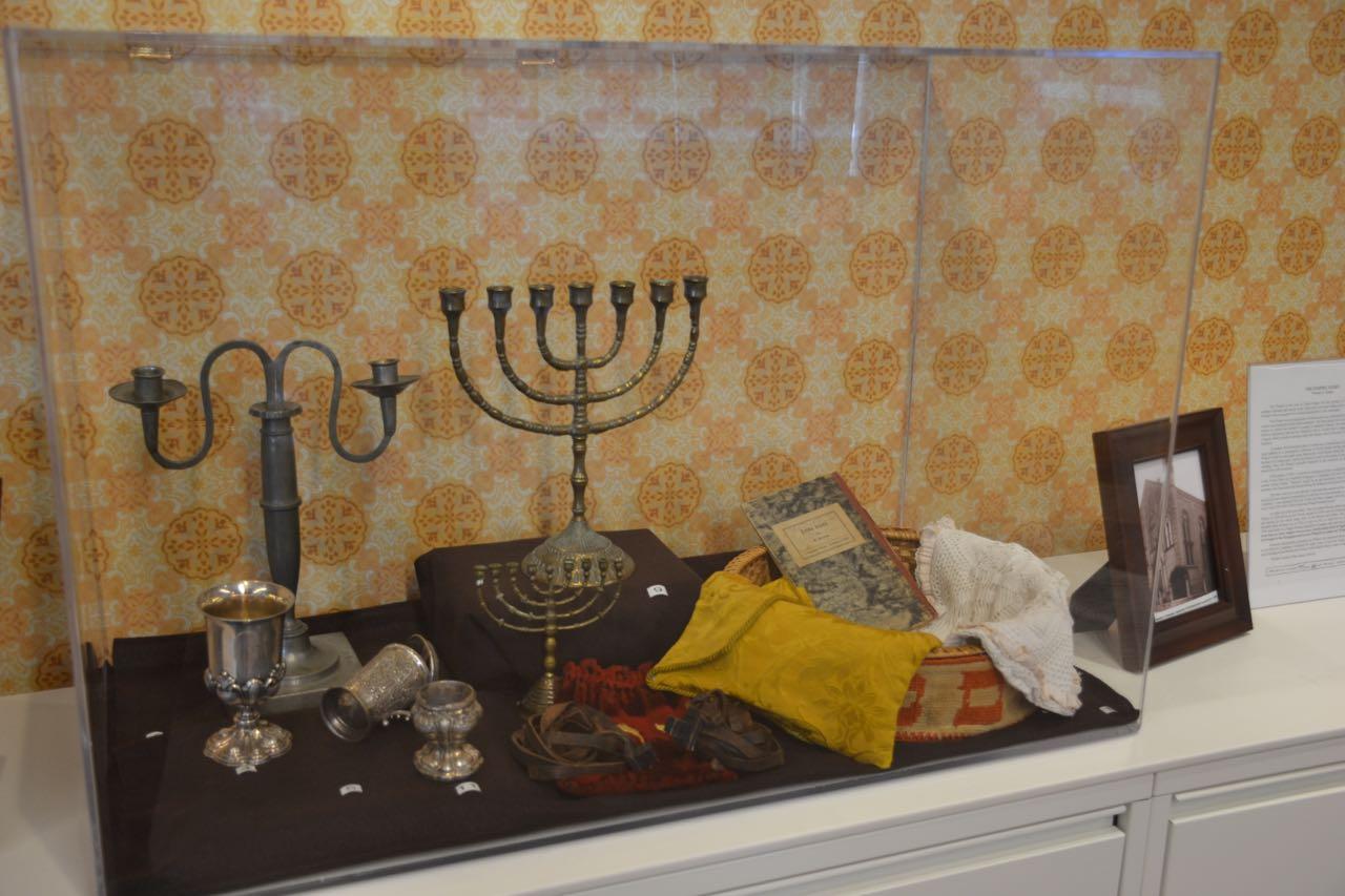 AJU Classroom Diorama